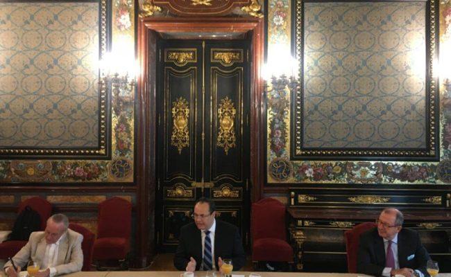 Foto Reunión con Luis Carranza III web
